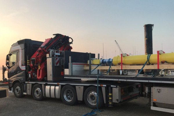 Vremac, part of the Vydraulics group, has supplied the two new cylinders with a bore of 3200 mm and a stroke of 3400 mm.